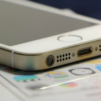 Witte iPhone 5 zonder hoesje